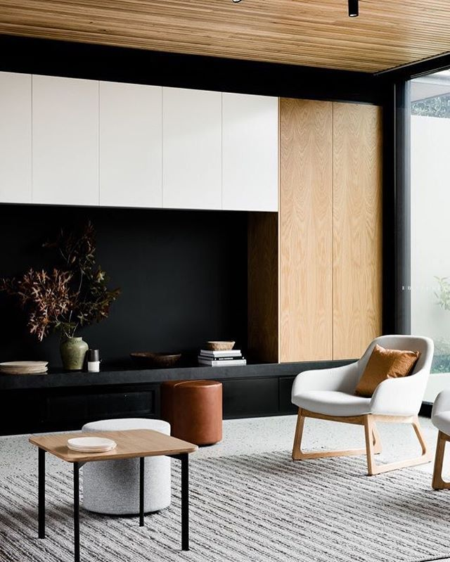 The warmth that is timber. Beautiful design by @figr_architecture and furniture pieces by @rossdidier