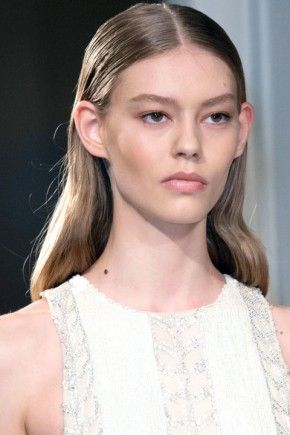Catwalk Wet Effect Hairstyles For Fall 2015 | Hairstyles 2016, Hair Colors and Haircuts