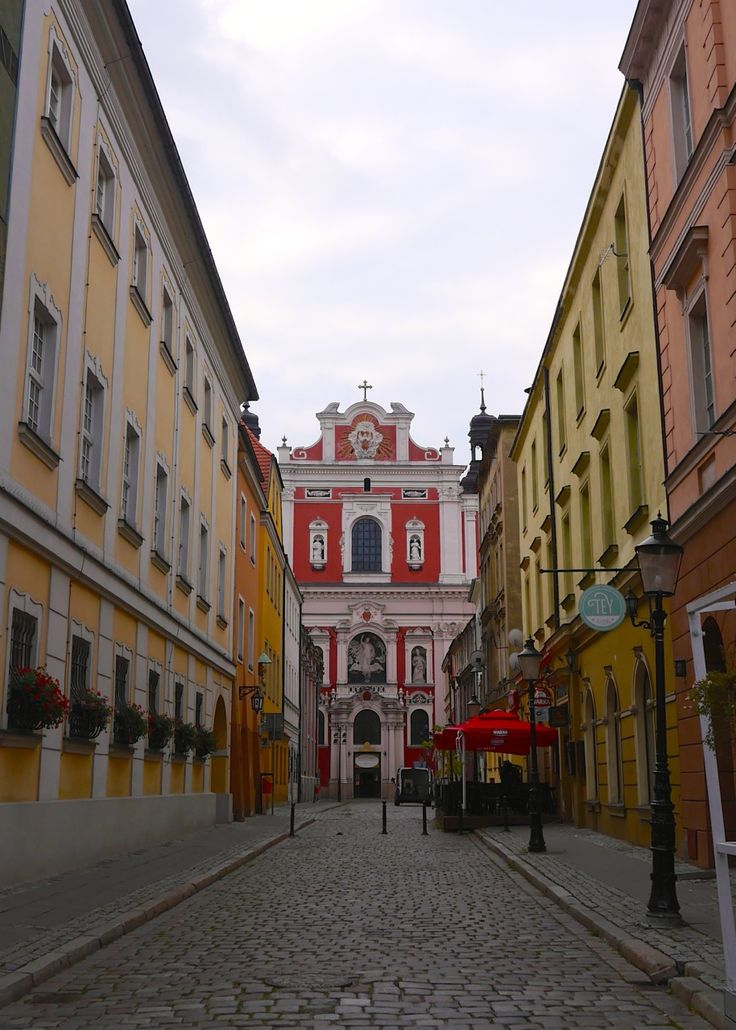 Despite hosting UEFA Euro 2012, Poznan has remained largely undiscovered by tourists - but I think that won't last. The city is just too beautiful.