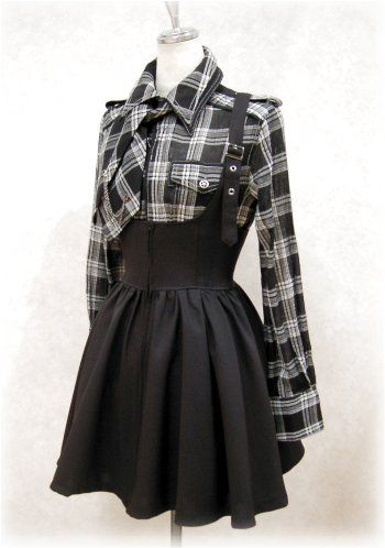★ ★ ★ ★ ★ five stars (black circle skirt with corset high waist and black suspenders, black and white flannel shirt, black and white flannel short tie)