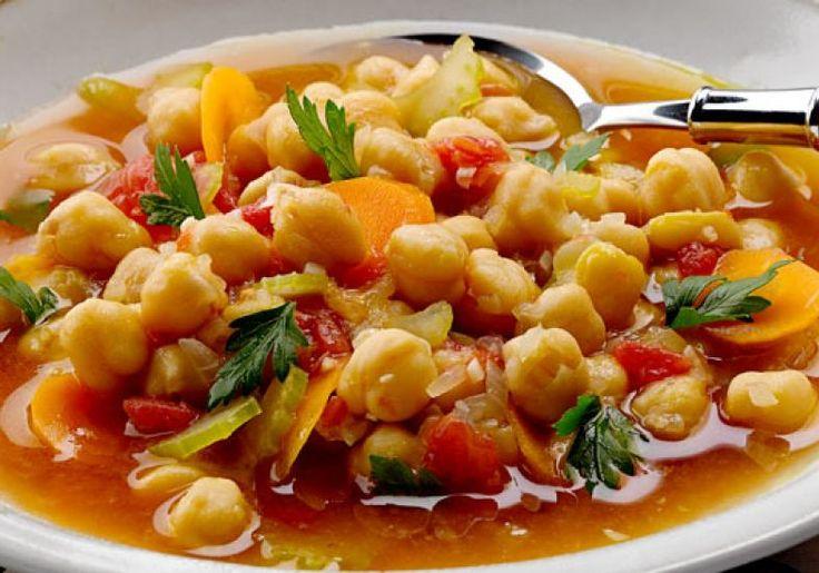 Sopa de tomate com grão-de-bico