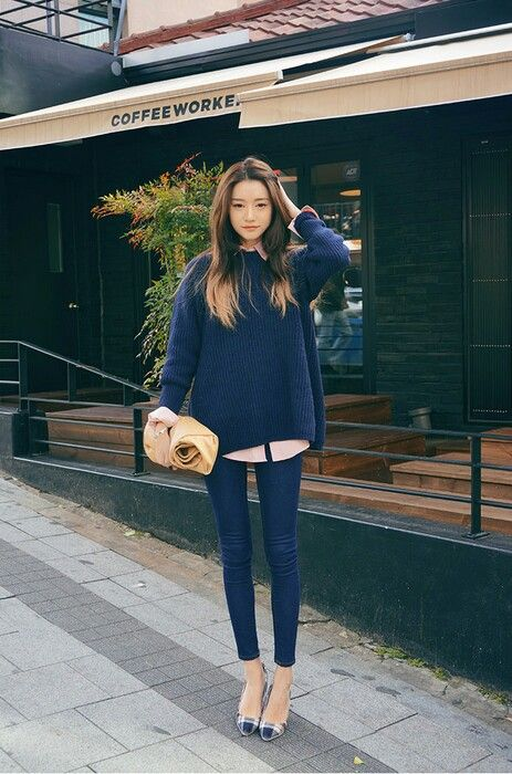 Park Sora   navy sweater over pink dress top, dark skinny jeans, plaid pumps @kayliemal