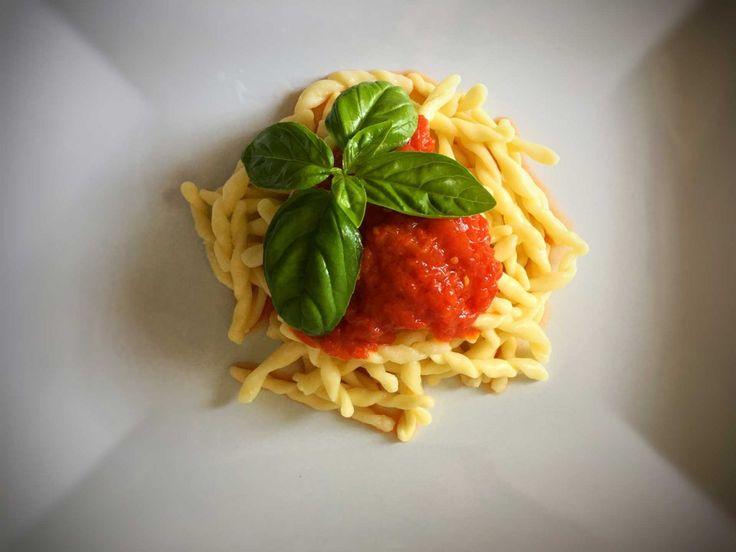 Паста al pomodoro Итальянская кухня рецепты Средиземноморская диета Средиземноморская кухня #паста