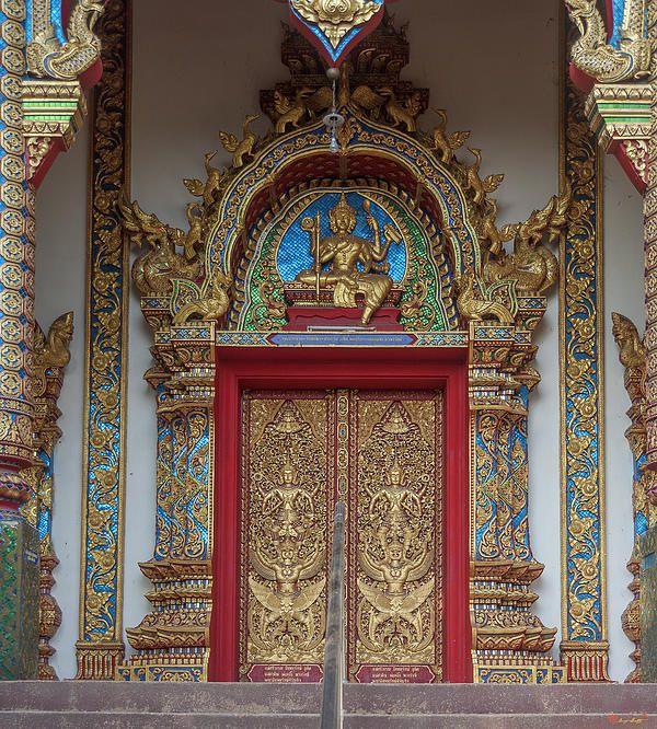 2013 Photograph, Wat Thatkam Phra Wihan Door, Tambon Haiya, Mueang Chiang Mai District, Chiang Mai Province, Thailand, © 2014. ภาพถ่าย ๒๕๕๖ วัดธาตุคำ ประตู พระวิหาร ตำบลหายยา เมืองเชียงใหม่ จังหวัดเชียงใหม่ ประเทศไทย