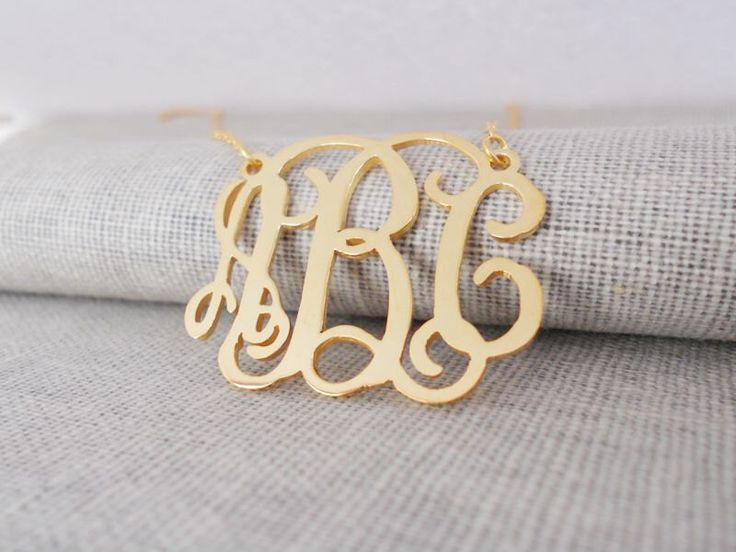 VLE 18inch 18k gold                   Gold Monogram Necklace,Gold Monogrammed Initial Necklace,Celebrity 3 initials Monogram Necklace,Nameplate Necklace Gold,Mother's Day Gift by InitialNecklaces on Etsy https://www.etsy.com/ca/listing/245540351/gold-monogram-necklacegold-monogrammed
