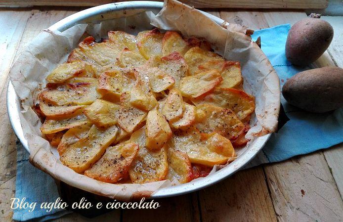 le patate al burro sono un secondo o contorno veramente semplice da fare e si preparano in pochissimi minuti con pochissimi ingredienti