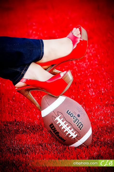 I don't need this... But there is something exceptionally sexy about this shot if I just like feet more...I do have cute shoes but what else can we do with this?