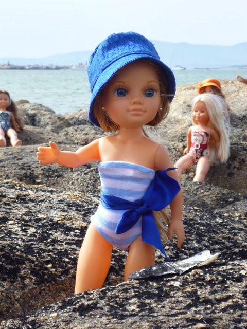 He tenido peticiones de bañadores para nuestra muñeca , pero con el lío del concurso y de la boda que hemos tenido este fin de semana , no...