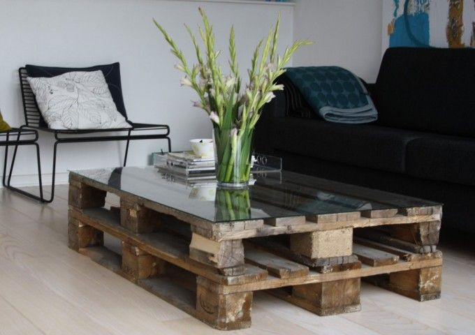 22 Upcycling Pallet Table Ideas For Your Garden Or Living