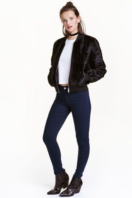Superpružné džínsy