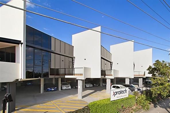 For Lease: 40M2 PRESTIGE OFFICE