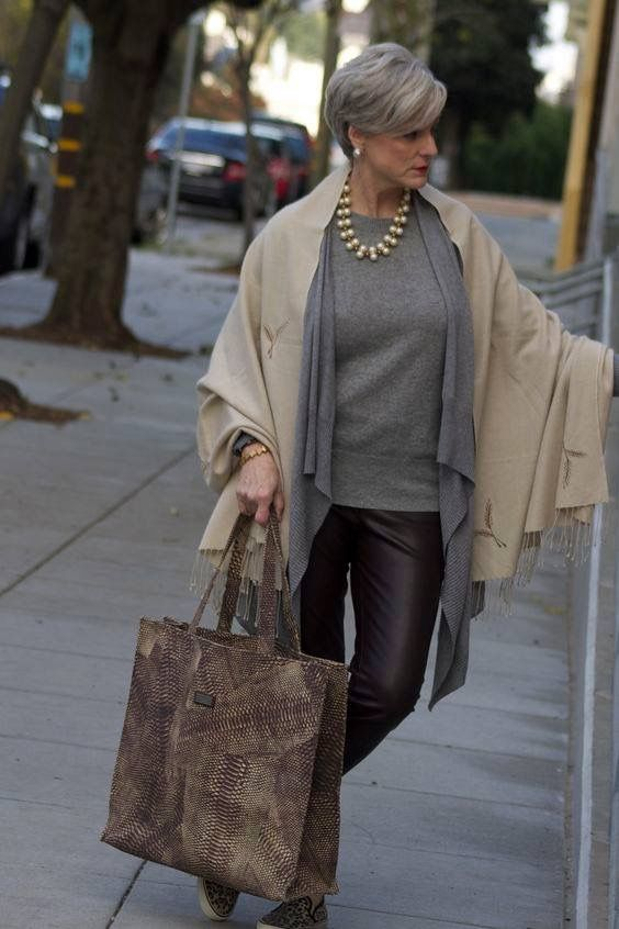 Love her style as a older woman! #fashionneverdies