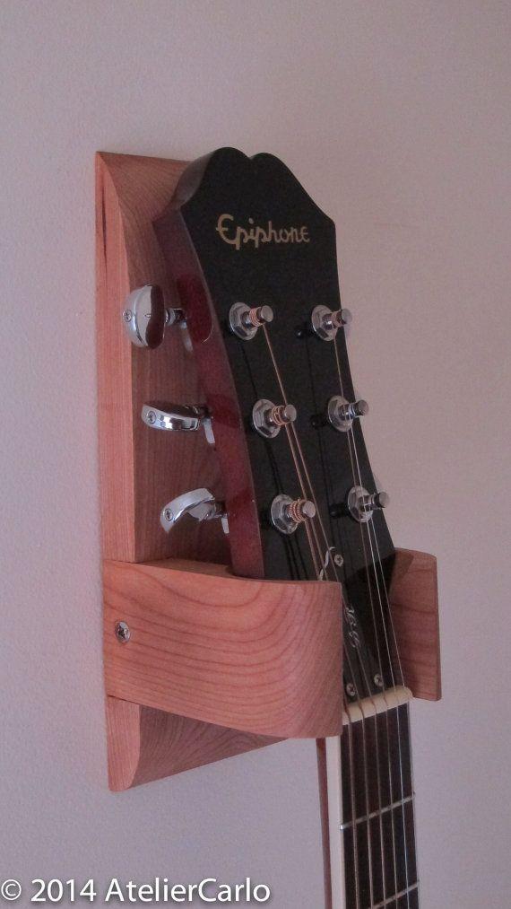 Colgador de pared guitarra pantalla del por AtelierCarlo en Etsy