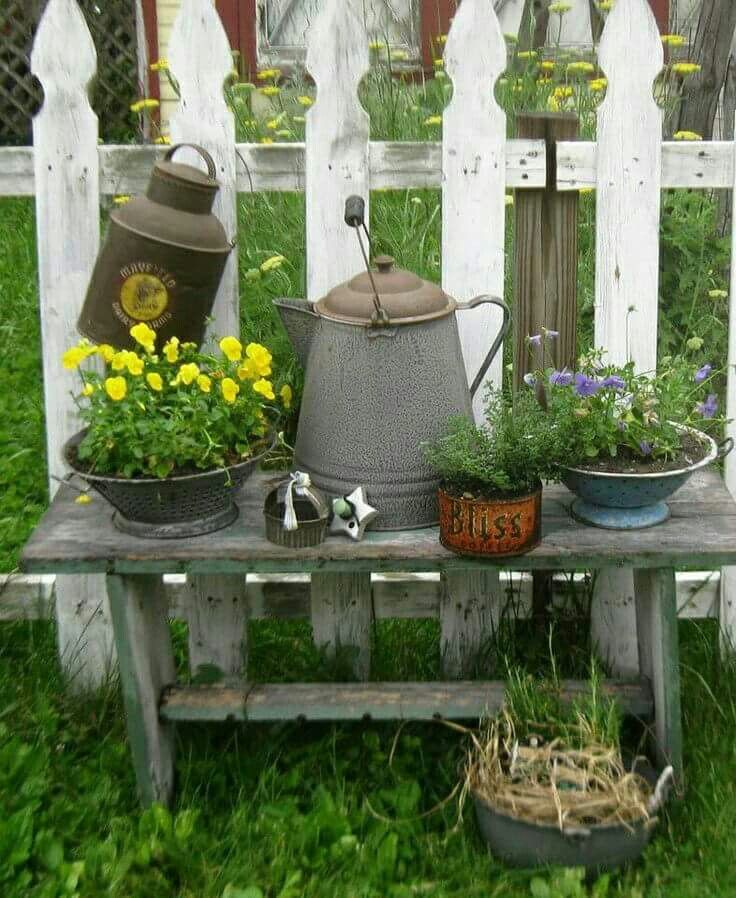 Rustic Home Furnishings And Mexican Garden Decorations By: Best 25+ Rustic Landscaping Ideas On Pinterest