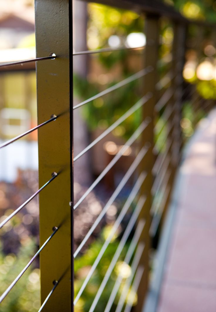BALUSTRADE RAILING TENSED METAL WIRE CABLE