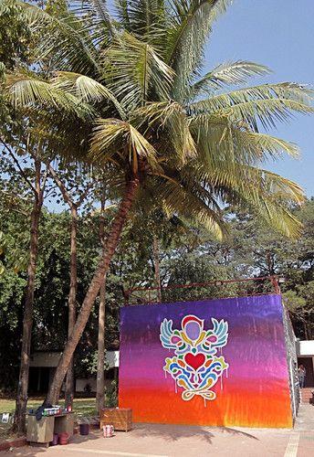"21 dec 2009 - ITT University - Bombay - Inde : ""Guardian Angel of Love""  Sous le soleil exactement... | psyckoze"