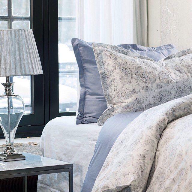 Vårens nydelige nyheter er her, og denne lyseblå drømmen av en seng kunne vi gjerne ladet batteriene i  #soverom #nyhet #sengesett #Lindø #skeidar #skeidarnorge #interiør #inspirasjon