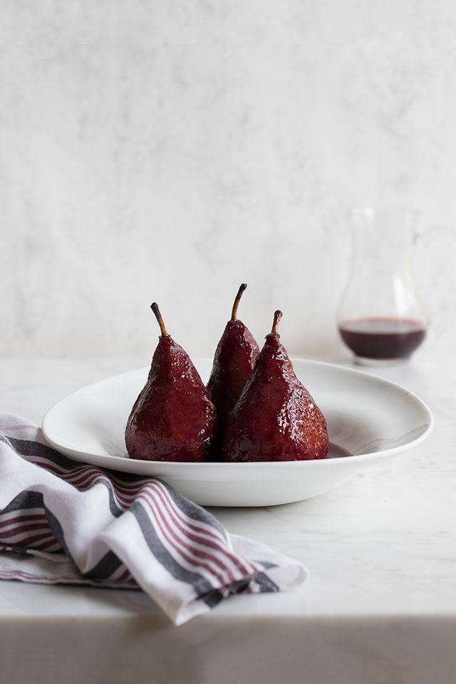 La Auténtica Receta De Peras Al Vino Tinto Tobegourmet Recetas Con Peras Peras Al Vino Tinto Peras Al Vino
