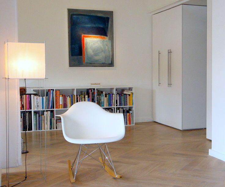 Frank Weil - jaren 30 appartement - Eames - Lotek lamp Benno Premsela - schilderij Liza Vonk - eigentijds interieur
