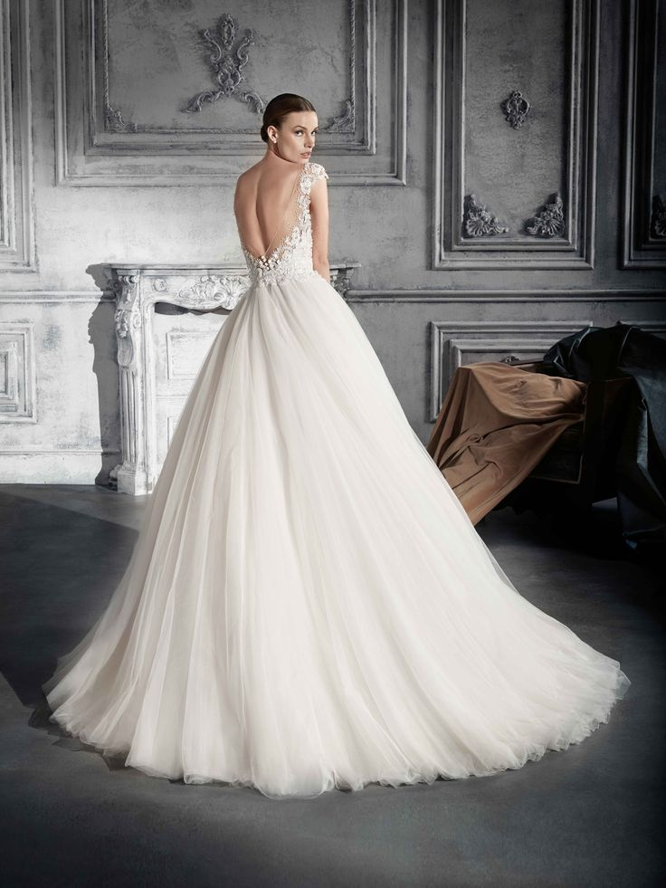 22 best Brautmode Kollektion 2018 images on Pinterest | Romance ...