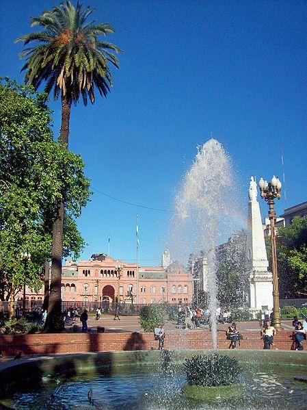 Plaza de Mayo, Casa Rosada, Pirámide de Mayo Ciudad Autonoma de Buenos Aires, Argentina