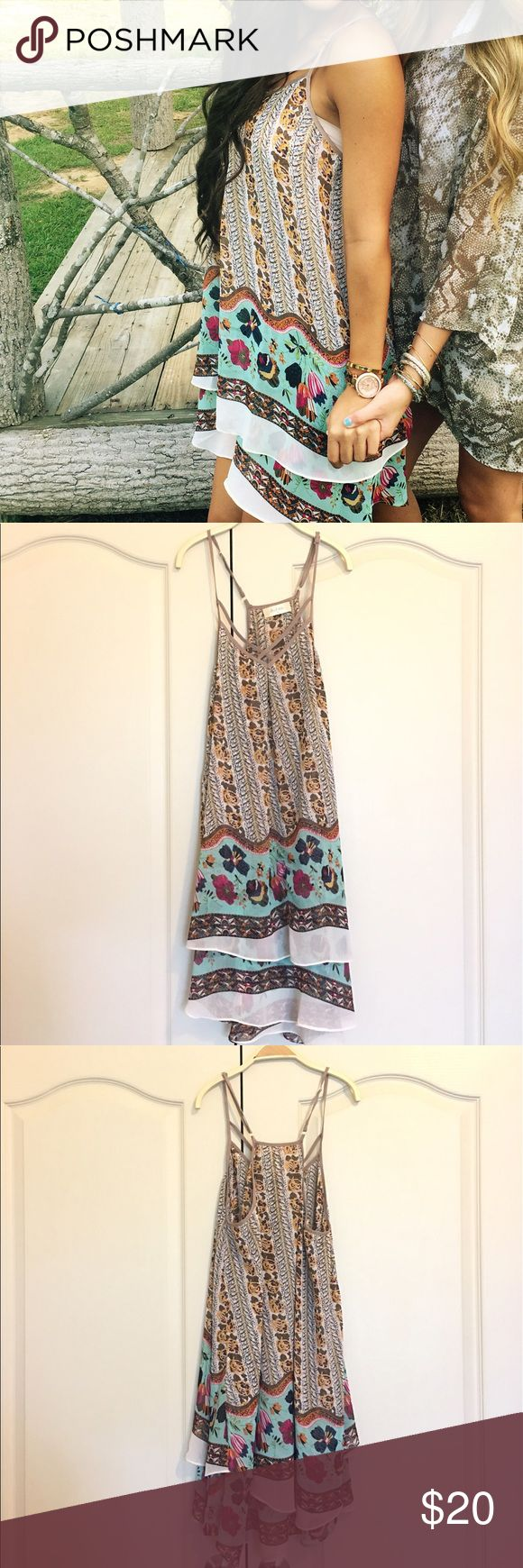 Altar'd State Patterned Dress! Floral pattern, dressy material, flowy, in great condition, worn twice Altar'd State Dresses Midi