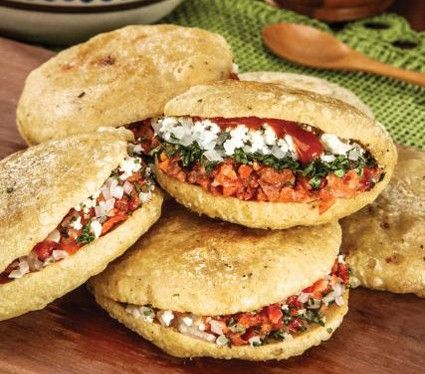 Gorditas de chicharrón (mexico) arepas chicharron ( venezuela) http://cocinavital.mx/recetas/gorditas-de-chicharron/