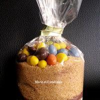 Bonjour,  Après le kit riz au lait barbe à papa, je vous propose de réaliser un kit Brownie M&M's à offrir pour ces fêtes! Bien sûr vous pouvez directement réaliser cette recette pour vous!...