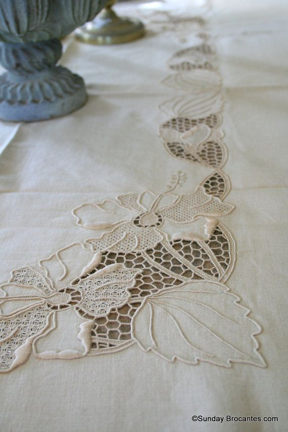 13 piece Elegant French Table Linen Set by SundayBrocantes on Etsy