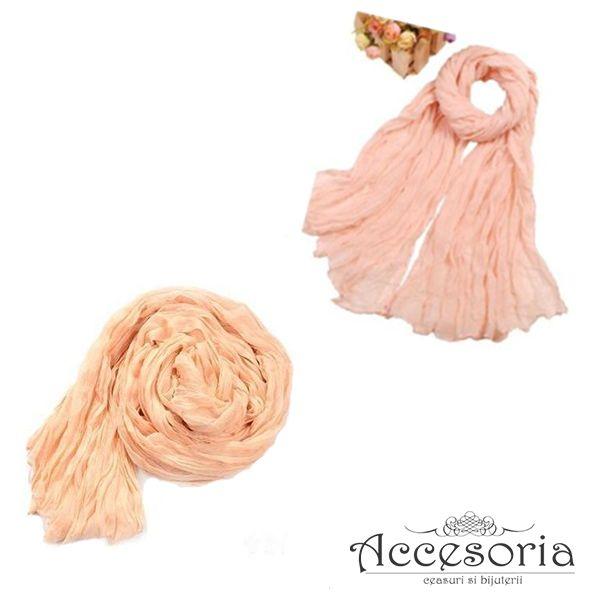 Esarfa casual, disponibila pe nunate de roz pal. www.accesoria-store.ro