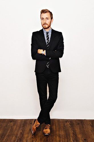 ブラックスーツ×ストライプネクタイの着こなし   スーツスタイルWEB