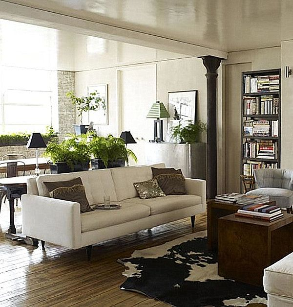 A living room filled with plants