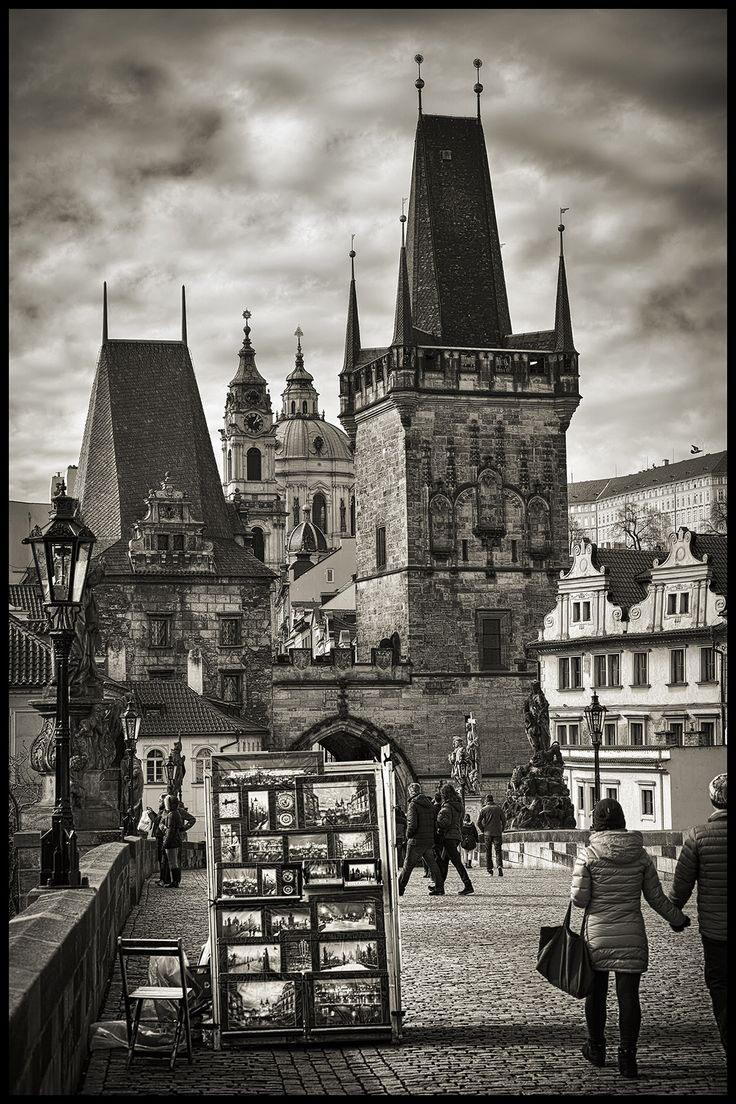 Charles Bridge bw - null