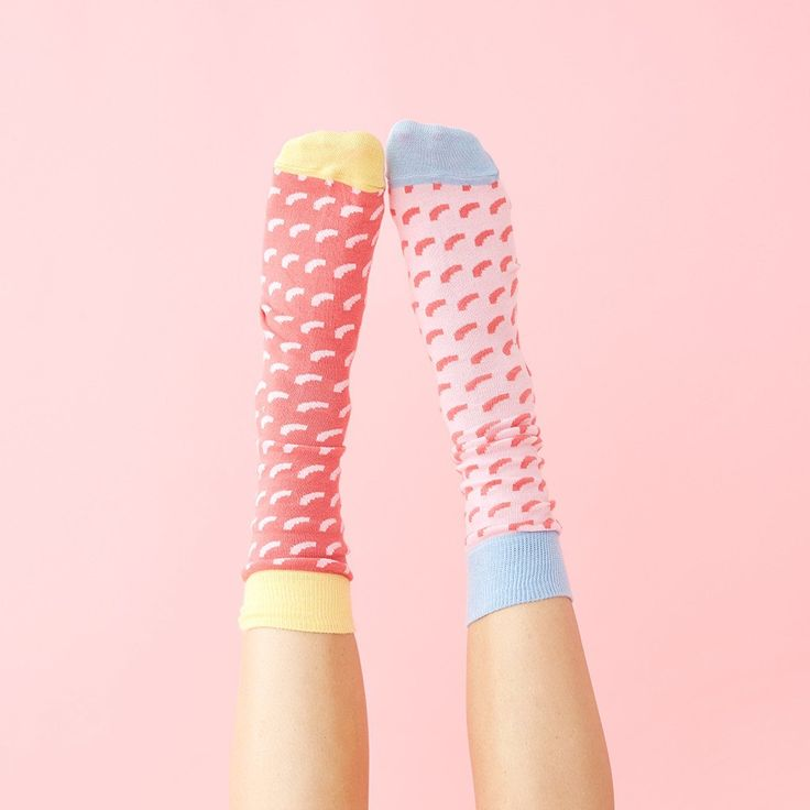 STYLE: mertl socks - pink and red finding socks that match is such a pain (and also boring duhh)! the guys over at odd pears hear you and made mix n' match socks that look cool no matter which combina