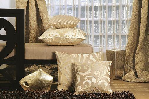 Széles anyag és színválasztékban díszpárnák és ágytakarók! Keresse termékeinket! http://www.florellefuggony.hu/rolunk/