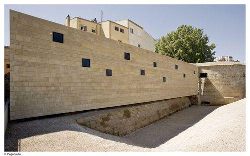Pesquera Ulargui Arquitectos — Rehabilitación de la Muralla de Logroño