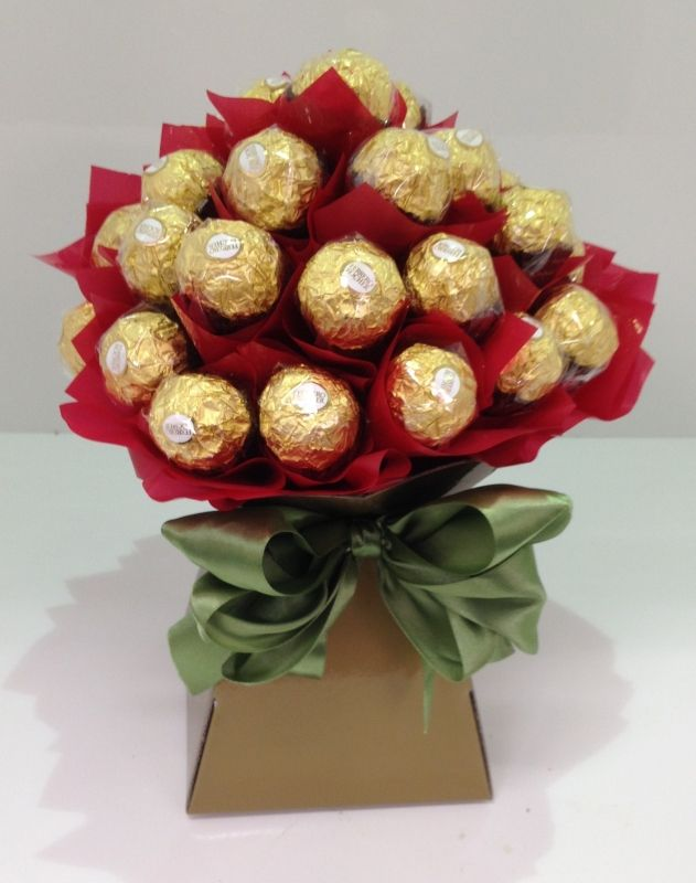 bouquets without flowers for Christmas | Categories / Christmas » Christmas Ferrero Rocher Bouquet
