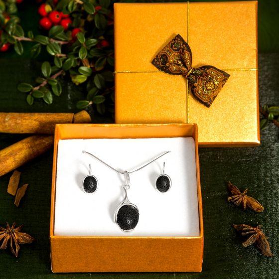 Lávakő medál és fülbevaló ajándékcsomag