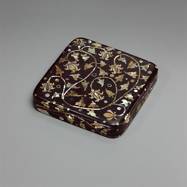 """Box with decoration of peony scrolls, 15th–16th century. Joseon dynasty (1392–1910). Korea. The Metropolitan Museum of Art, New York. Gift of Florence and Herbert Irving, 2015 (2015.500.3.2a, b) 