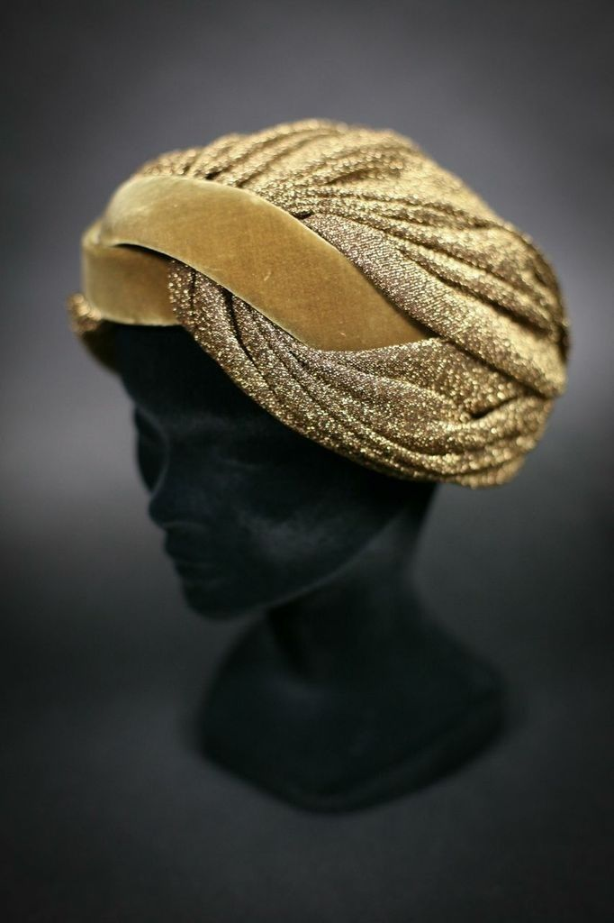 1940s Turban. repinned by www.lecastingparisien.com