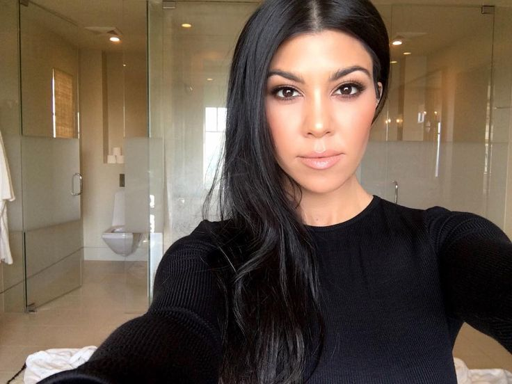 Kourtney: Bathroom selfie. #kourtneyk #kardashians