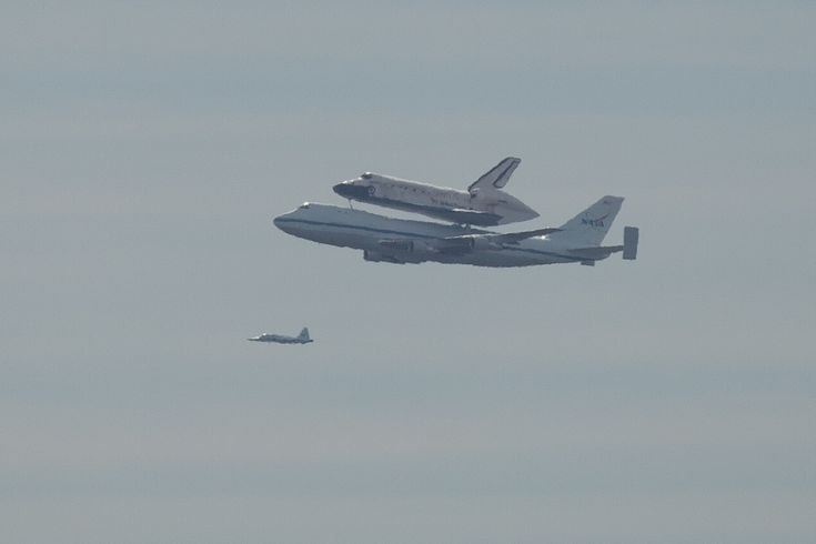 The Space Shuttle Discovery, on a final tour before she's decommissioned at the Smithsonian's Udvar-Hazy Center.Yonder Flight, Spaces Shuttle Discovery, Udvar Hazy Center, Final Tours, Udvarhazi Center, Space Shuttle Discovery, Blue Yonder, Wild Blue, Smithsonian Udvar Hazy