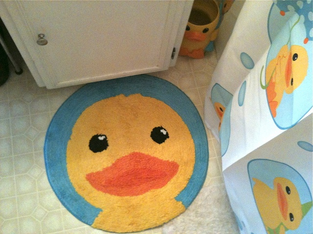 My Rubber Duckie rug o want