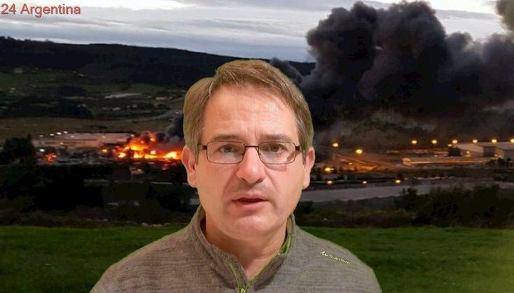 Incendio en un desguace causa enorme nube potencialmente tóxica en Gijón, Asturias