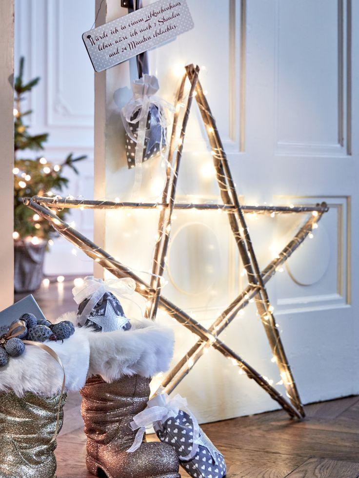 Beleuchteter Stern,  fünfzackiger Stern aus Weidenholz, LED-Stern, Winterstimmung, Weihnachtsdekoration.