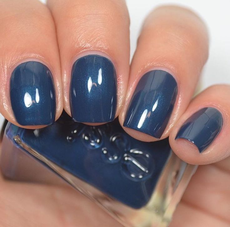 Essie - Surrounded By Studs (Gel Couture After Party Collection)