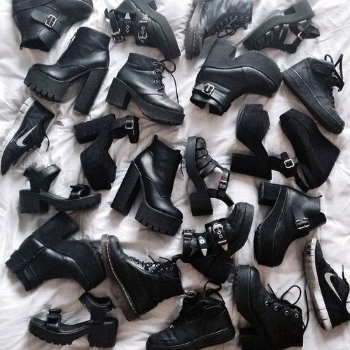 Pinterest: @MagicAndCats ☾ ♕ Grunge pale and plants ♔ | via Tumblr black - style - #girl - soft #amazing