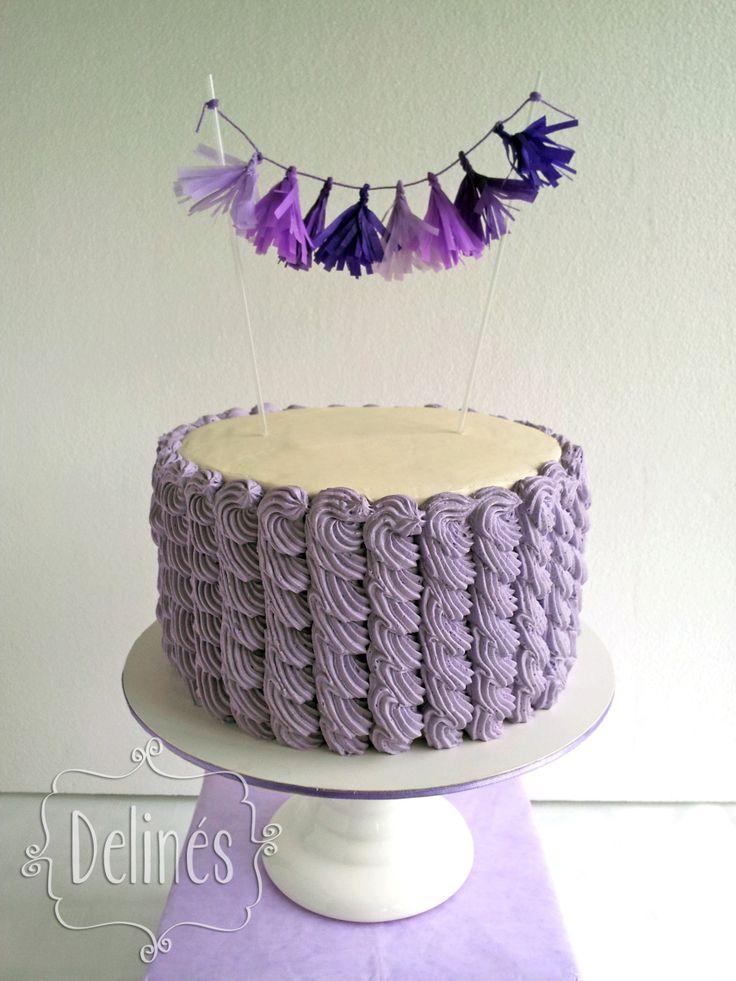 torta con guirnalda