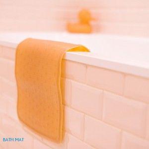 Miljövänligt, fritt från ftalater och annat som hör plast till; denna badkarsmatta i 100% naturgummi är både praktisk och snygg! 249 kr i webshop och butik.