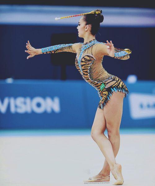 Margarita Mamun, ginnasta russa, ai Campionati Europei 2014 di Baku, Azerbaijan tags: ginnastica ritmica, rhythmic gymnastics, gymnastique rythmique, gimnasia rítmica, clavette, clubs, massues, mazas